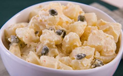 Salada de batata e alcaparras