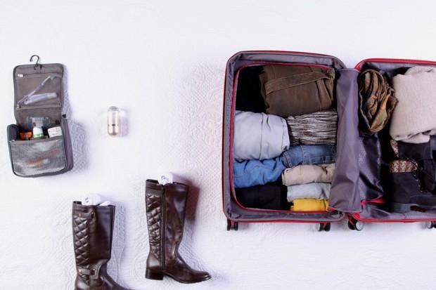 Veja como é fácil organizar tudo na mala (Foto: Reprodução)