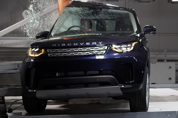 Land Rover Discovery consegue nota máxima nos testes de segurança do Euro NCAP (Foto: Divulgação)