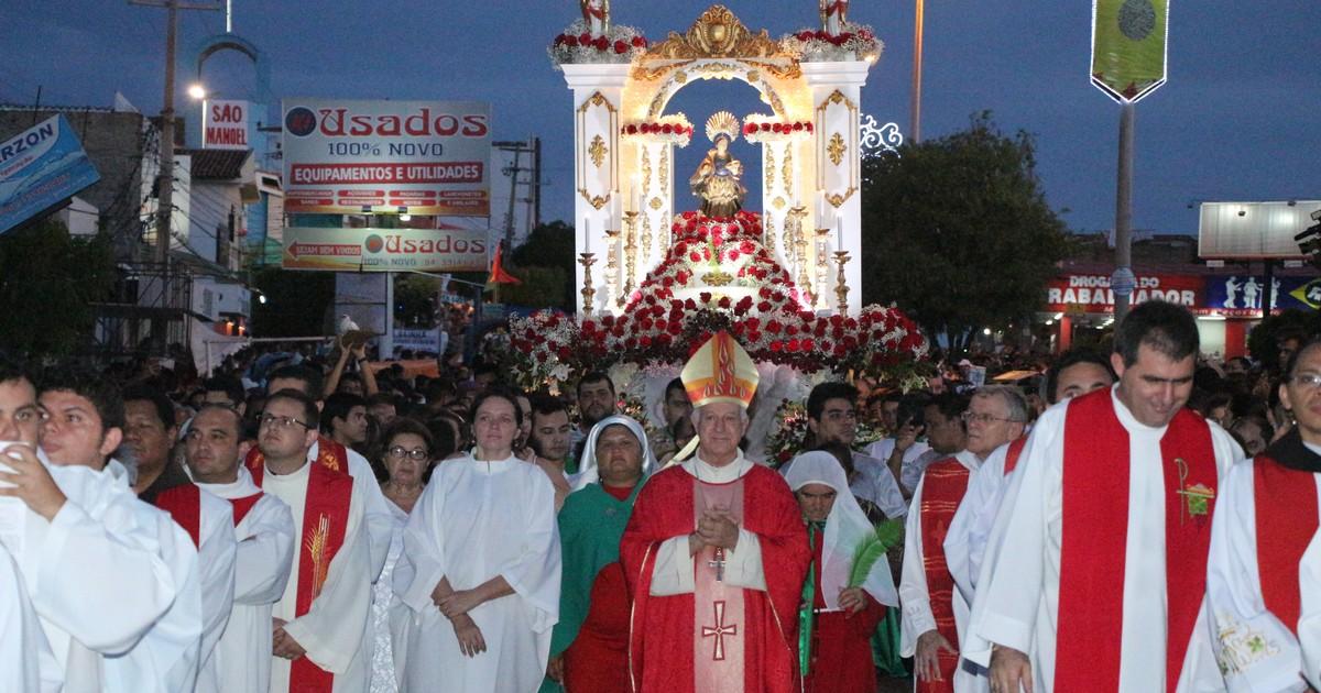 Procissão de Santa Luzia reúne 200 mil fiéis em Mossoró - Globo.com