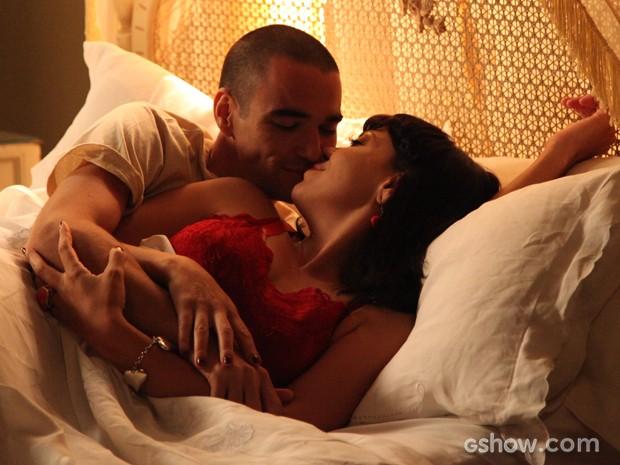 Paixão está no ar! Sonan e Matilde têm primeira noite de amor (Foto: Carol Caminha/TV Globo)