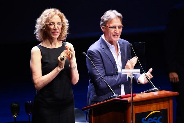 Marília Gabriela e Herson Capri apresentam prêmio em São Paulo (Foto: Manuela Scarpa/ Foto Rio News)