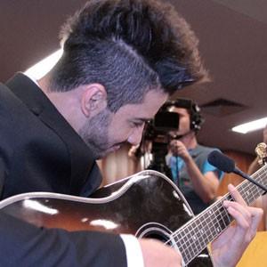 Cantor sertanejo Gusttavo Lima recebe título de cidadão goianiense, em Goiânia (Foto: Divulgação/Dadovilanova)