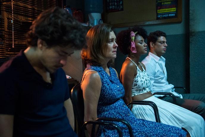 Rose (Jéssica Ellen), Vicente (Jesuíta Barbosa), Fátima (Adriana Esteves) e Maurício (Cauã Reymond) em 'Justiça'