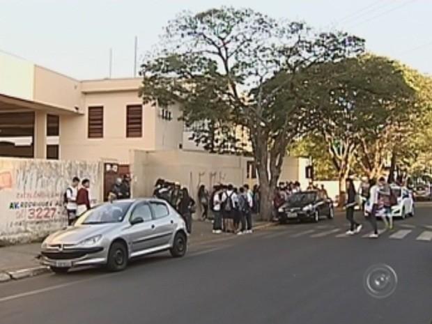 Fato ocorreu em uma escola estadual em Bauru (Foto: Reprodução TV TEM)