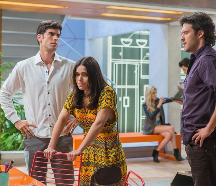 Shirlei desconfia de Carmela e acaba descobrindo que a irmã é cúmplice de Jéssica (Foto: Artur Meninea/Gshow)