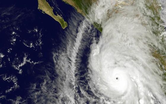 O furacão Patrícia, em foto de satélite da Nasa, no dia 23 de outubro de 2015 (Foto: NOAA GOES Project/NASA via AP)