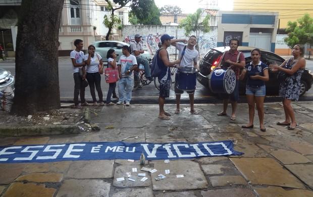 torcida do Remo protesto academia (Foto: GLOBOESPORTE.COM)