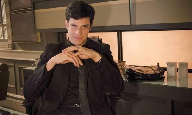O personagem Félix, interpretado por Mateus Solano (Foto: Raphael Dias / Agência O Globo)