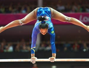 Daiane dos Santos na ginástica em Londres (Foto: AFP)