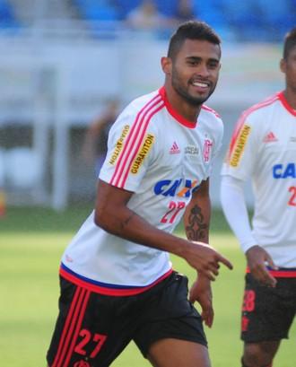 Treino Flamengo - atacante Kayke e meia Almir - Arena das Dunas - Natal-RN (Foto: Alexandre Lago/GloboEsporte.com)