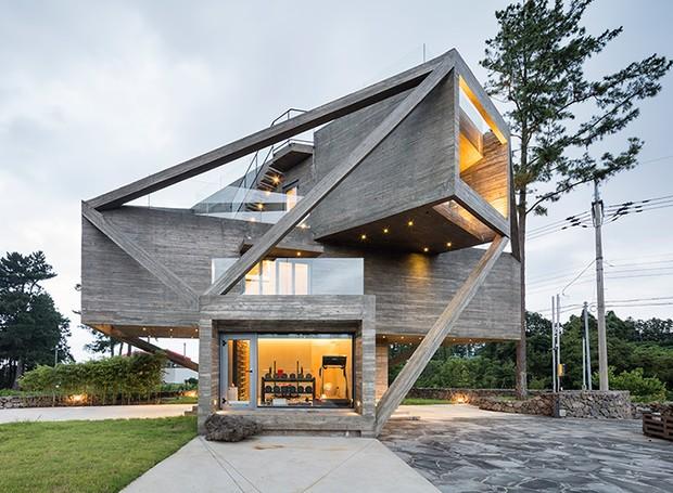 Arquiteto Coreano Cria Casa Que Parece Presa Uma Teia De Concreto on 30 X House Floor Plans