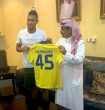 Hernane apresentado no Al Nassr  (Foto: Divulgação)