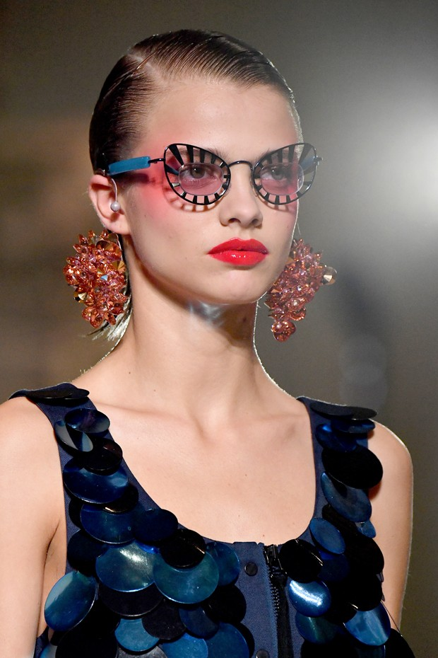 Veja como usar óculos e maquiagem no Carnaval (Foto: Getty Images)