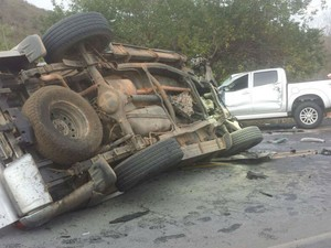 Acidente envolvendo três carros em Itaberaba, na Bahia (Foto: Site Bahia10)