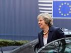 Trump convida Theresa May para visita 'o quanto antes'