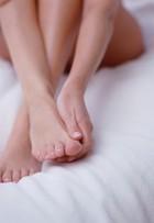 Unhas dos pés exigem cuidados redobrados nos dias mais frios