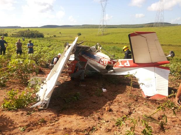[Brasil] Piloto morre em queda de avião agrícola no interior do RS 20150207_1008381