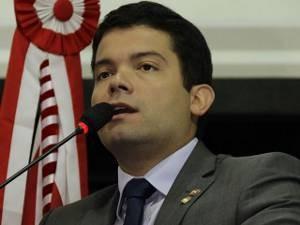 Deputado estadual Miro Sanova preside a Comissão de Divisão Administrativa e Assuntos Municipais. (Foto: Divulgação/ Alepa)