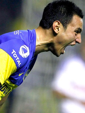 Juan Sanchez Mino comemora gol do Boca Juniors contra o Universidad do Chile (Foto: Reuters)