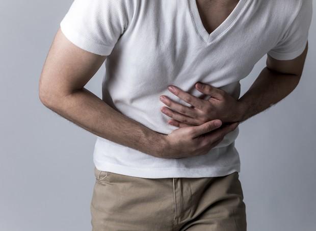 homem pai passa mal enjoo vomito ansia  (Foto: thinkstock)