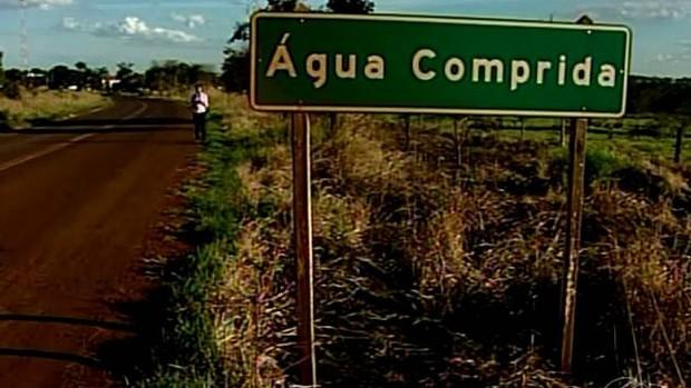 Placa de Água Comprida (Foto: Reprodução / Tv Integração)
