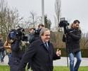 Platini tem pena reduzida para quatro anos e renuncia à presidência da Uefa