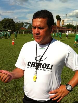 Éder Taques treinador do Mato Grosso (Foto: Robson Boamorte/GLOBOESPORTE.COM)