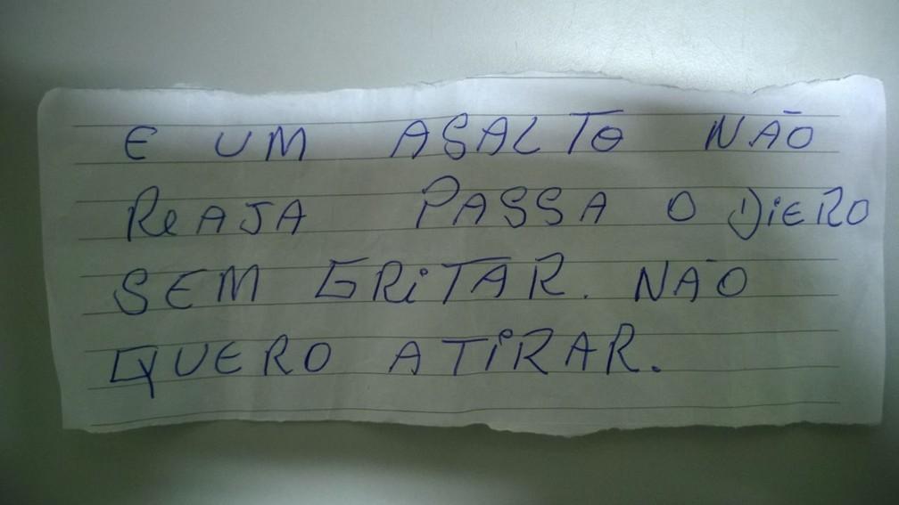 Bilhete foi usado para assaltar lotérica na tarde de terça-feira (2) em Guarantã (Foto: Divulgação/Polícia Militar)