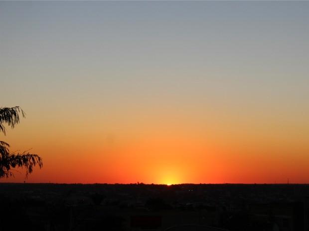 Céu de Campo Grande na tarde desta terça-feira (29) (Foto: Glaucea Vaccari/G1 MS)