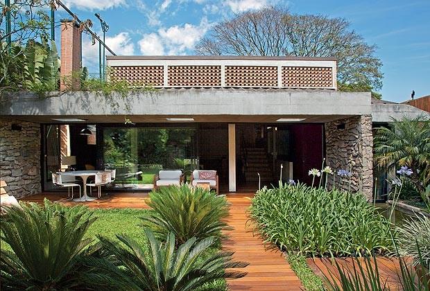 Traga a luz casa e jardim fachada for Fachadas de casas modernas com jardim