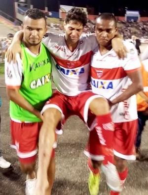 Marcos Martins lesão crb (Foto: Júnior de Melo/Ascom CRB)