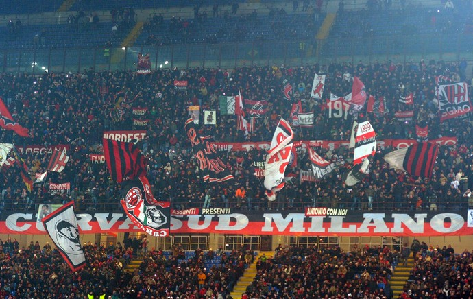 Torcida Milan San Siro (Foto: Getty Images)