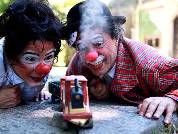 Lílian Moraes e Richard Righetti fazem parte do projeto Gran Circo Teatro Garagem (Foto: Divulgação)