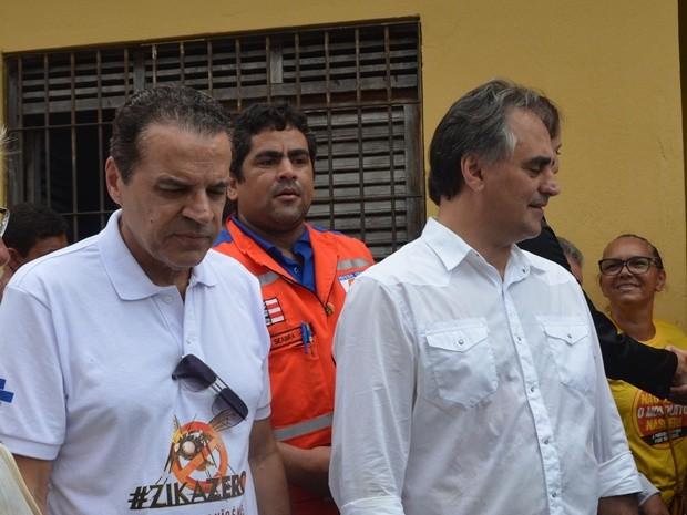 Ministro do turismo e o prefeito de João Pessoa, Luciano Cartaxo (Foto: Felipe Ramos/G1)