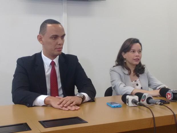 Promotores Evandro Ventura e Ingrid Veloso concederam entrevista para falar sobre denunciar apresentadas à justiça (Foto: Zana Ferreira/ G1)
