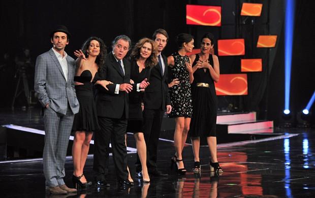 O Rebu - elenco (Foto: Globo)