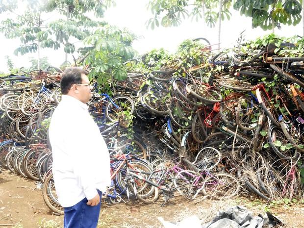 Bicicletas apreendidas em Cáceres (Foto: Kelly Martins/G1)