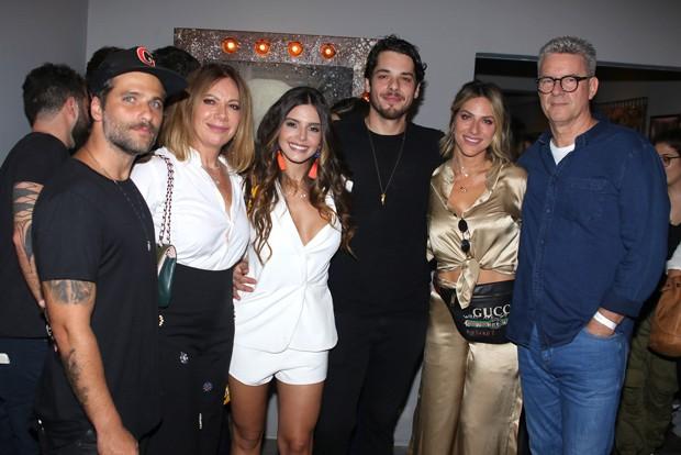 Bruno Gagliasso, Débora Ewbank, Giovanna Lancellotti, Gian Luca Ewbank, Giovanna Ewbank e  Roberto Baldacconi (Foto: Thiago Duran/AgNews)