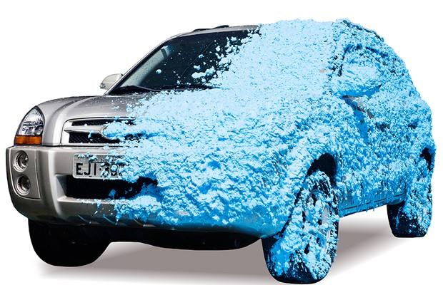 Lavagem com espuma azul EcoWash (Foto: Divulgação)