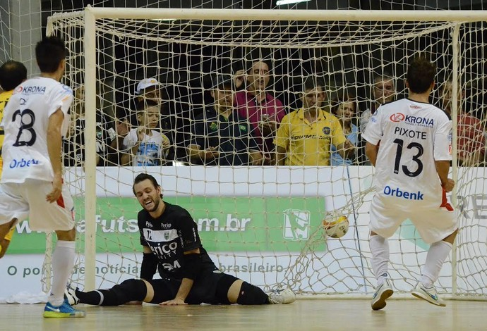 Jaraguá Joinville Liga Nacional de Futsal  (Foto: Henrique Porto/Agência Avante!)