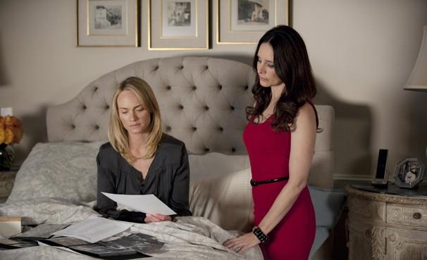 Victoria decide levar Lydia para sua casa (Foto: Divulgação / Disney)