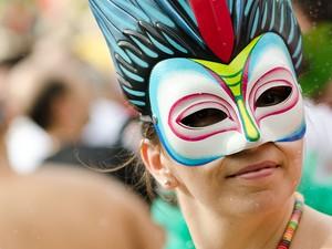 Crianças e adultos vestiram fantasias para brincar o Carnaval nas ruas de Ribeirão Preto, SP (Foto: Érico Andrade/ G1)