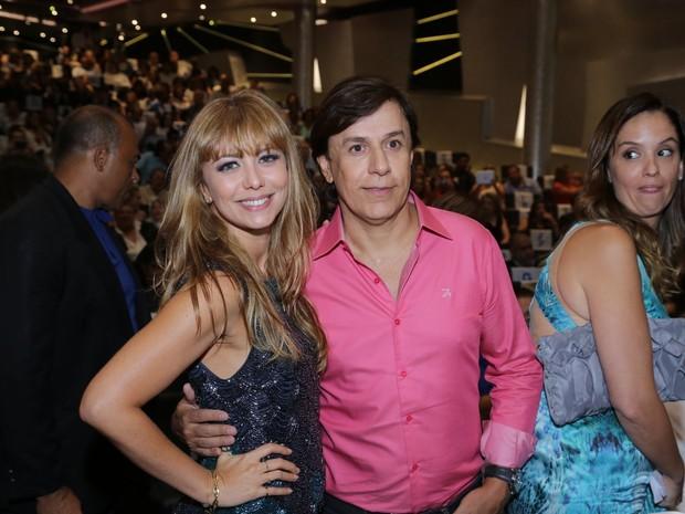 Simone Soares e Tom Cavalcante em cruzeiro de Roberto Carlos (Foto: Marcello Sá Barretto/ Ag. News)