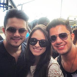 Victor Leonardo com Allana e Cristiano (Foto: Reprodução/Instagram)