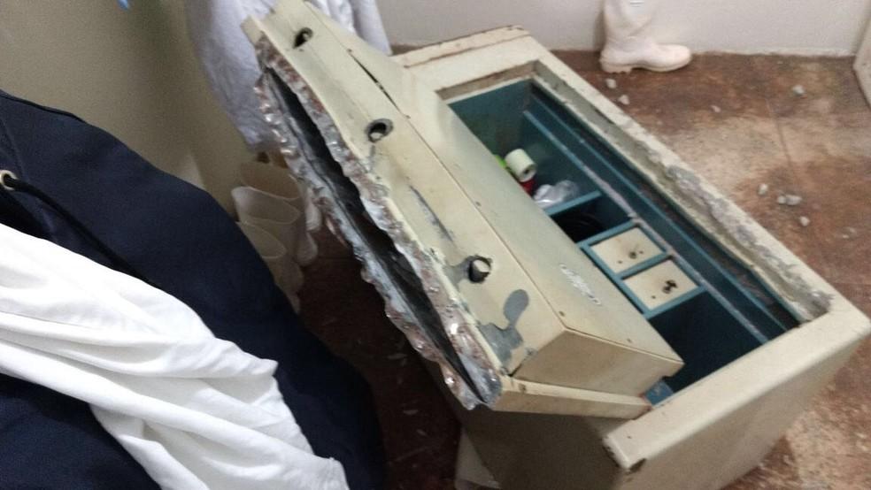 Cofre do frigorífico foi arrombado pelos assaltantes (Foto: Frigorífico Ribeiro/Divulgação)