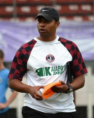 Milton do Ó técnico Juventus-SC (Foto: Henrique Porto/Avante!)