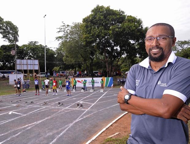 Márcio Vianna Prudêncio, filho de Nelson Prudêncio, acompanha as disputas de atletismo das Olimpíadas Escolares (Foto: Fernando Soutello/AGIF/COB)
