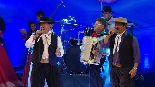 'Galpão Crioulo' relembra participações de Os Monarcas no programa em seus 45 anos de carreira