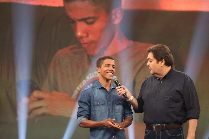 Arthur participou do programa Domingão do Faustão (Foto: Carol Caminha/Gshow)